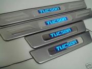Накладки на пороги для Hyundai Tucson (2004 - 2014)