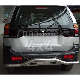 Дуга заднего бампера с изгибом Mitsubishi Pajero Sport (97 - 2008)