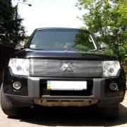 Накладка на решетку радиатора для Mitsubishi Pajero 4 (2007 - ...)