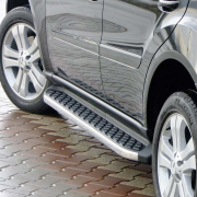 Боковые пороги для Mercedes ML W164 (2005 - 2011)