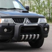 Кенгурятник полиуретан низкий с пластиной и зубьями для Mitsubishi Pajero Sport (1997 - 2008)