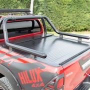 Дуга в багажник черная Ролл-Бар на кузов пикапа для Toyota Hilux (2015 - ...)