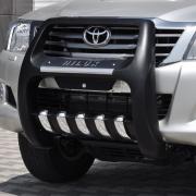 Кенгурятник высокий полиуретан с лого для Toyota Hilux (2006 - 2015)